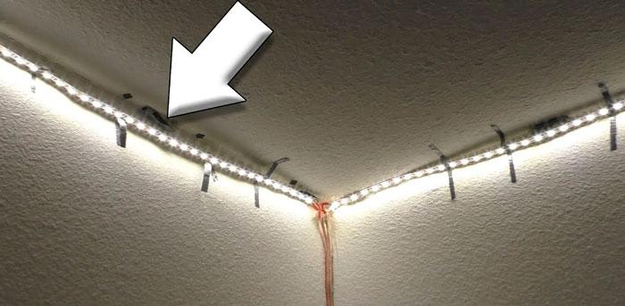 почесу отклеивается светодиодная лента