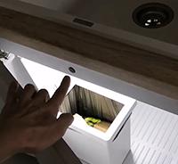 как сделать подсветку под раковиной на кухне