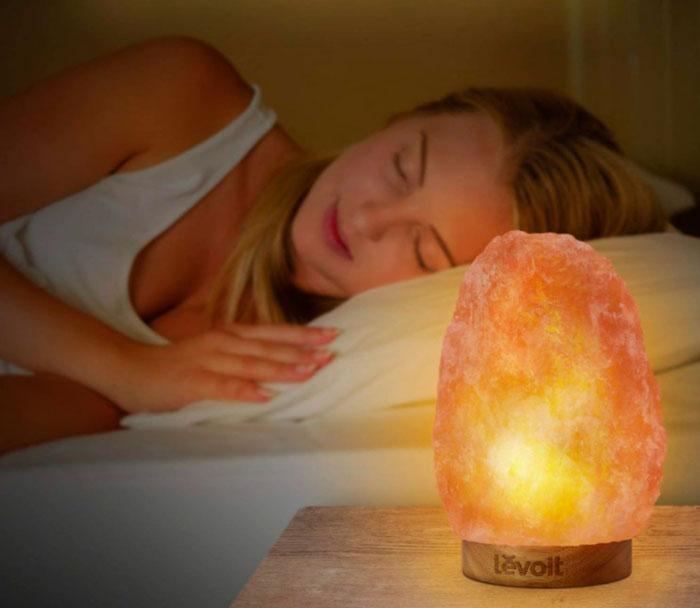 вред соляной лампы во время сна