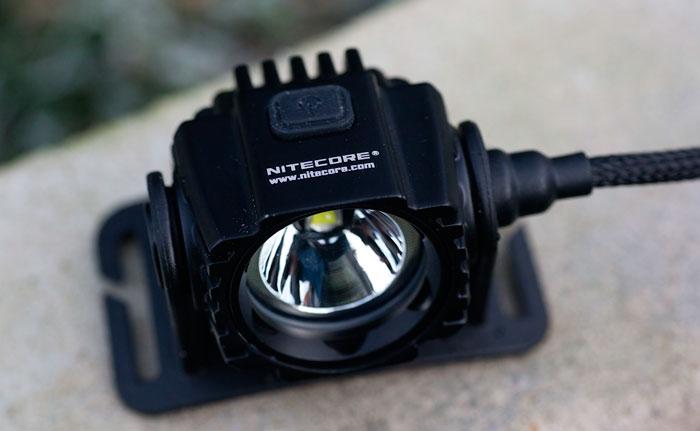 легкий налобный фонарик с выносным блоком аккумуляторов
