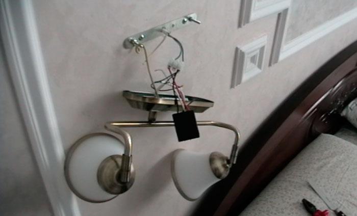 подключение бра через сенсорный выключатель